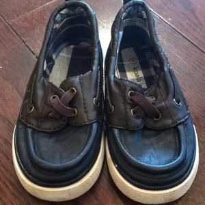 ADORABLE Boys Toddler size 6c Boat Shoes